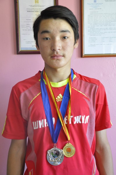 Olziibayr voetbal kampioen 2015