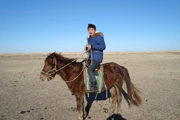 Byambadavaa te paard